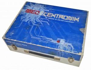 MEZ Elektronik-02 Kufr